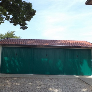 Isolated prefabricated garages